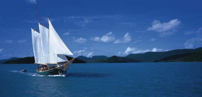 """Windjammer"" Sailing through Cid Harbour"