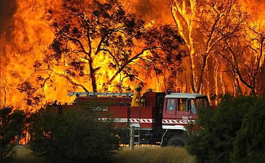 Australian Bushfire Rages. (photo courtesy of ProBlogger.net
