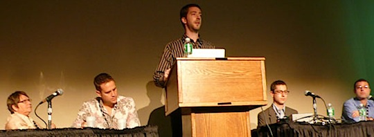 Conference speaking can help bloggers make valuable contacts