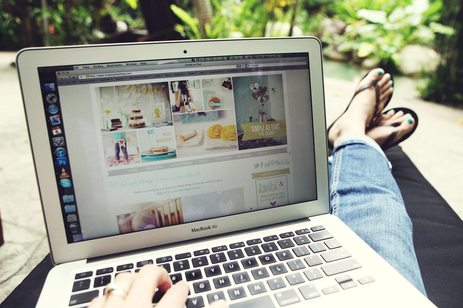Blogging kerana minat atau nak jadi kaya?