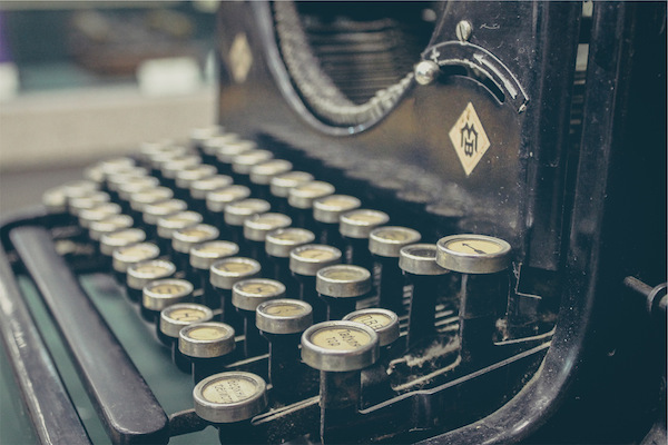 boss-fight-stock-images-photos-free-old-typewriter How to Make 2x More Money as a Writer